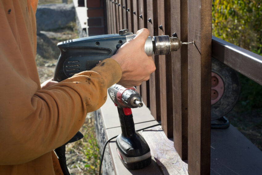 When it comes to fence installation, you should know the prices you can expect to pay. This informative guide will cover the average cost.